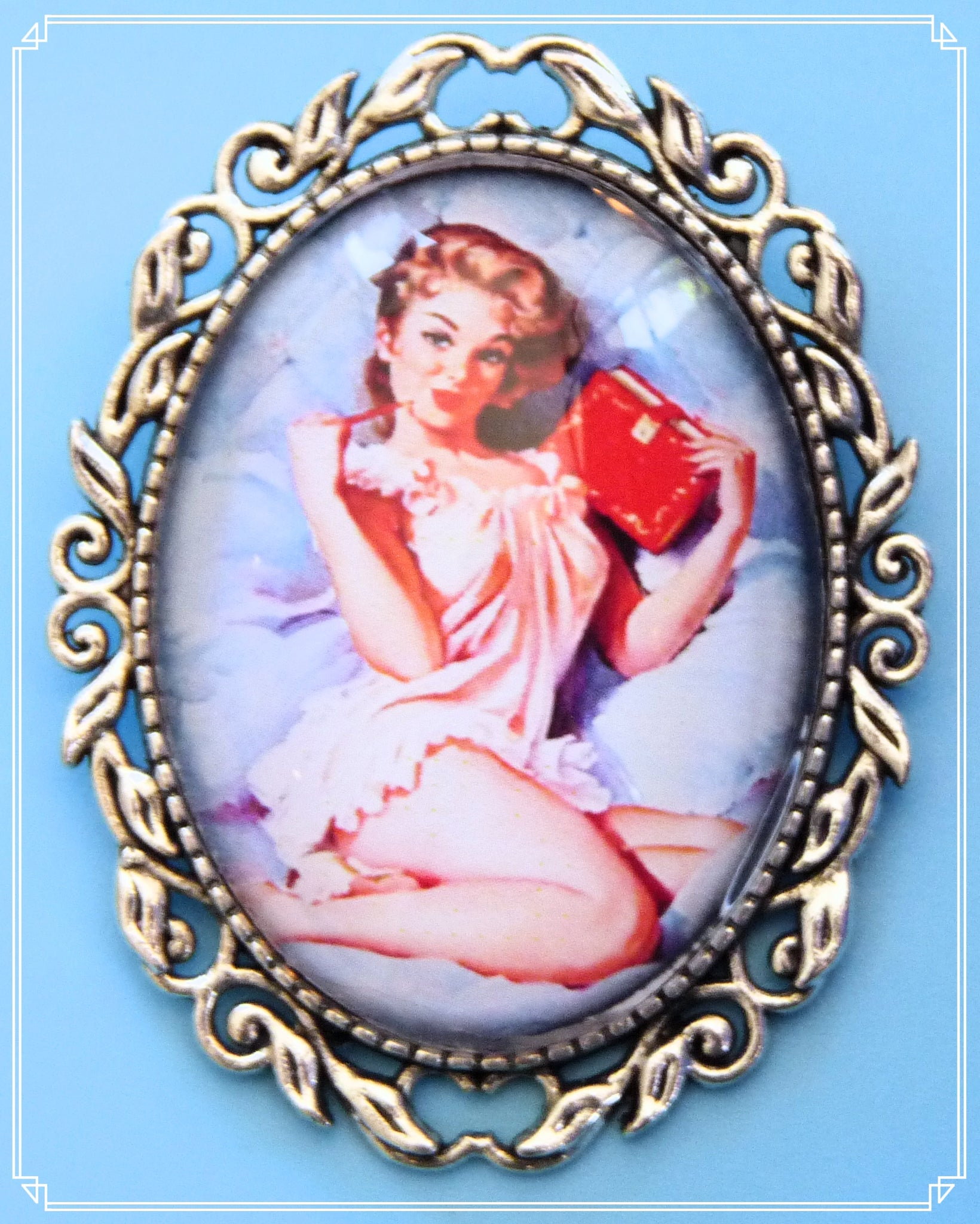 Pinup Peaches - Eve brooch