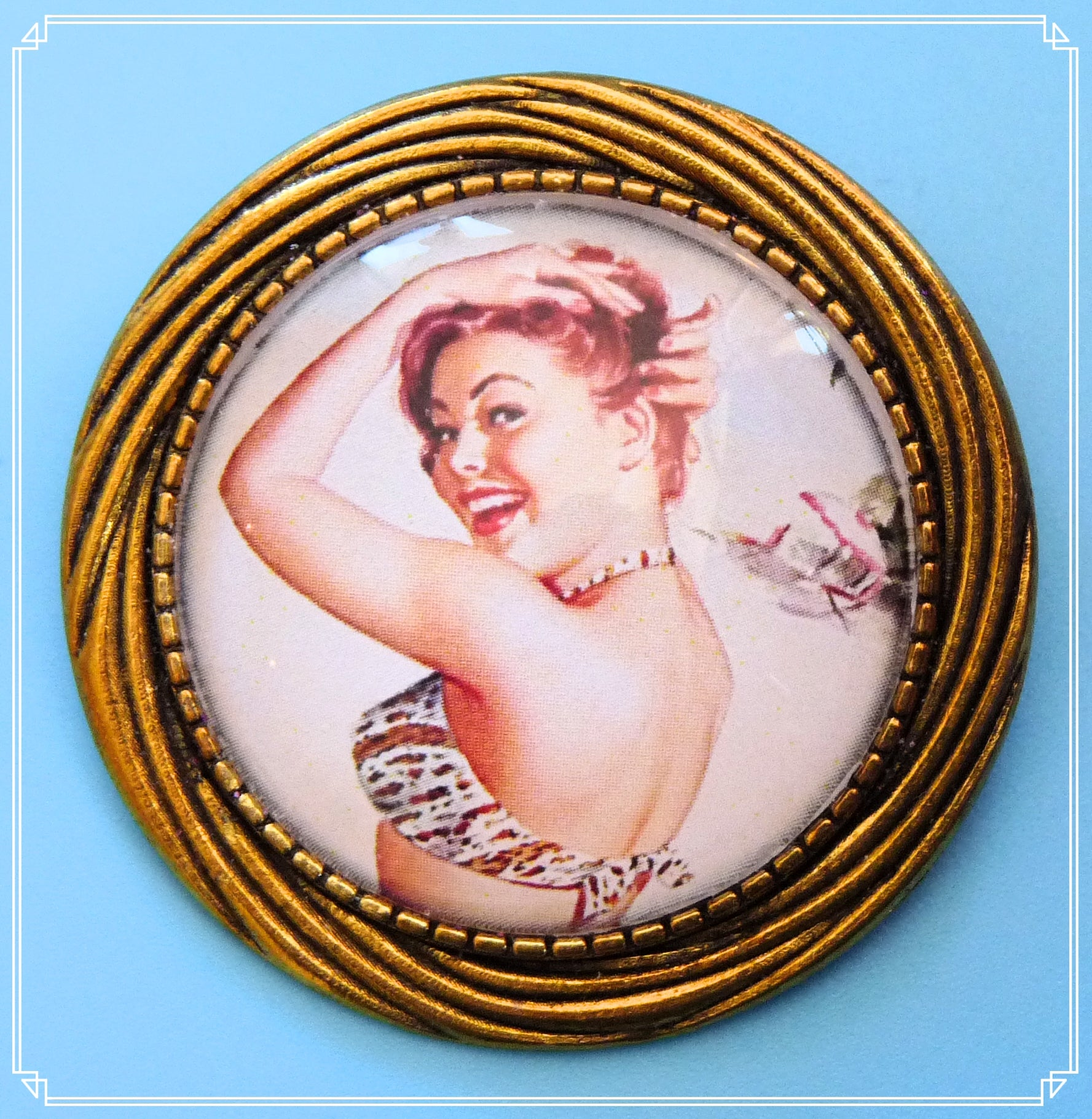 Pinup Peaches - Norma brooch
