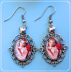 Pinup Peaches - Eve earrings