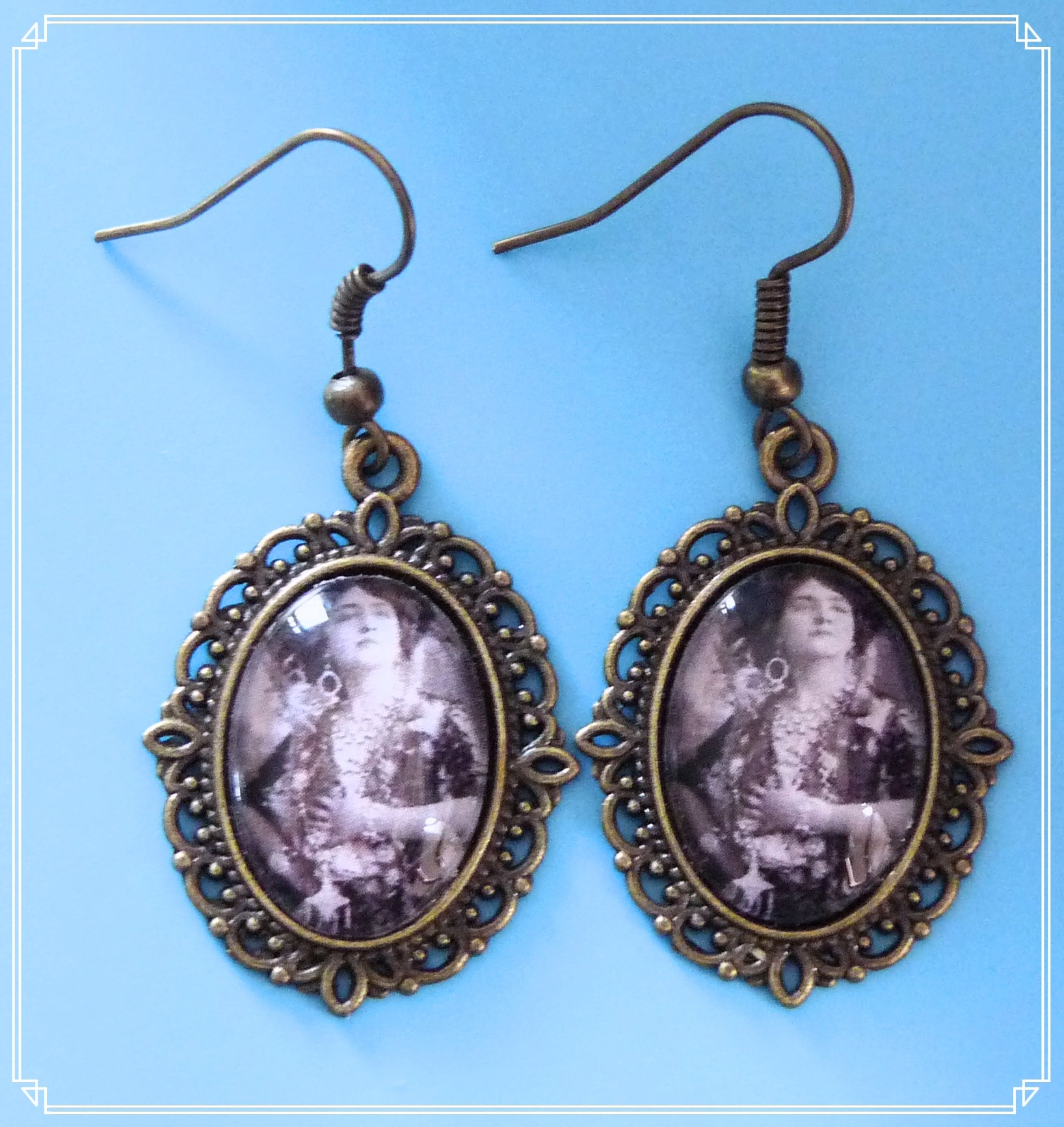 Velvet & Lace - Marguerite earrings