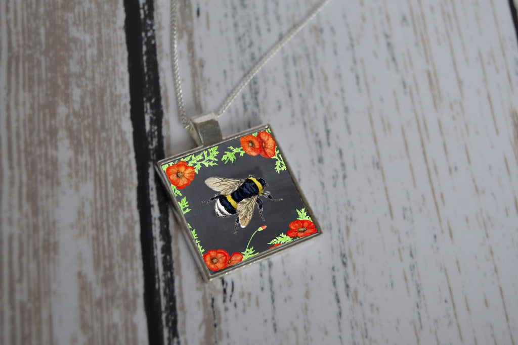Mothers Day Gift Honey Bee Necklace - Bee Jewelry - Bumble Bee Necklace - Gift for her, bee keeper, bee lover gift, Pendant
