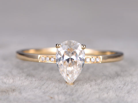 Pear shape moissanite engagement ring 8x5mm brilliant moissanite diamond wedding band 14k yellow gold