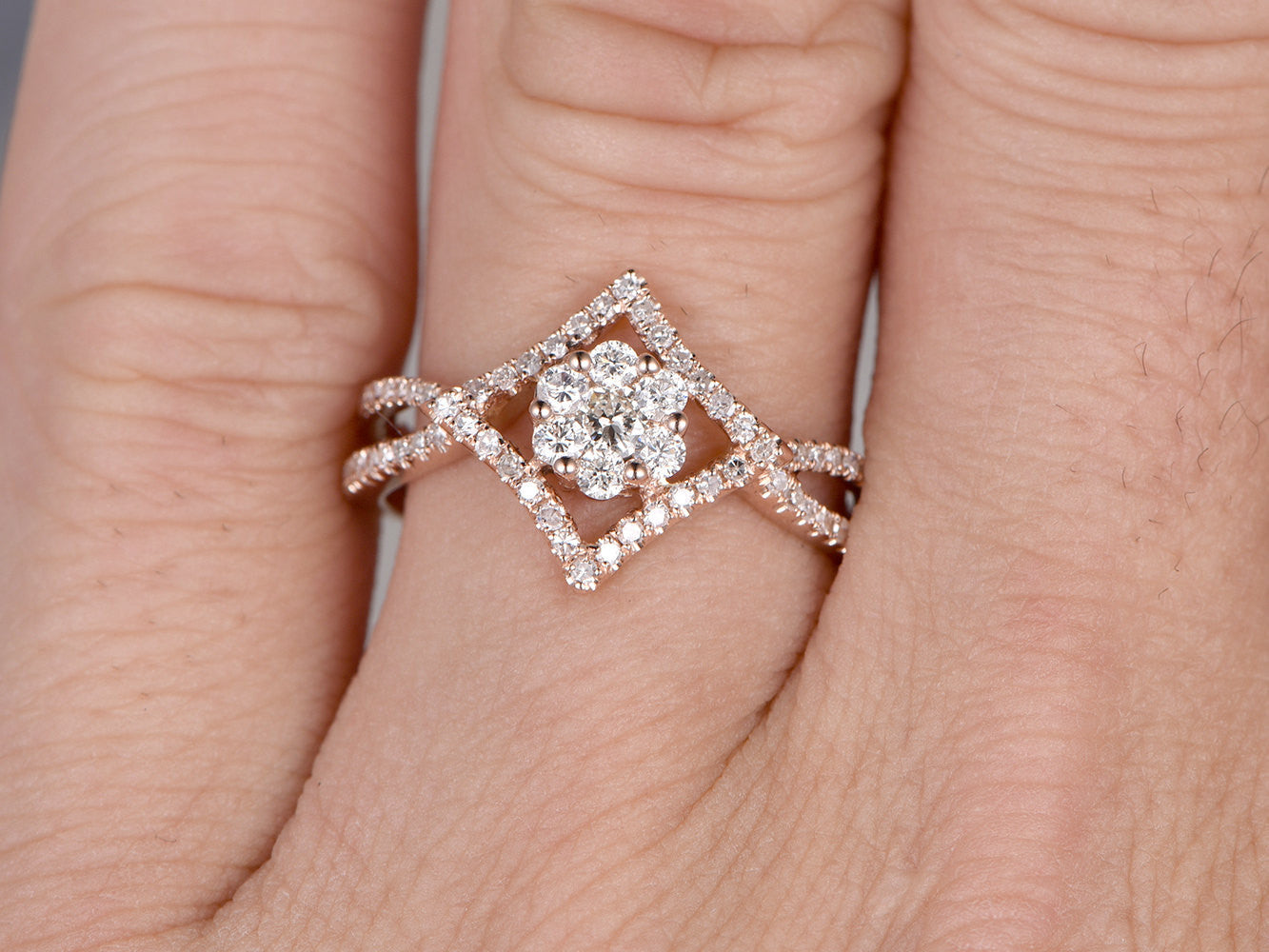 Cluster Diamond Engagement ring,Floral wedding ring,14K Rose Gold Band,Round Cut Stone Promise Ring,Bridal Ring,Split Shank Infinity Twisted