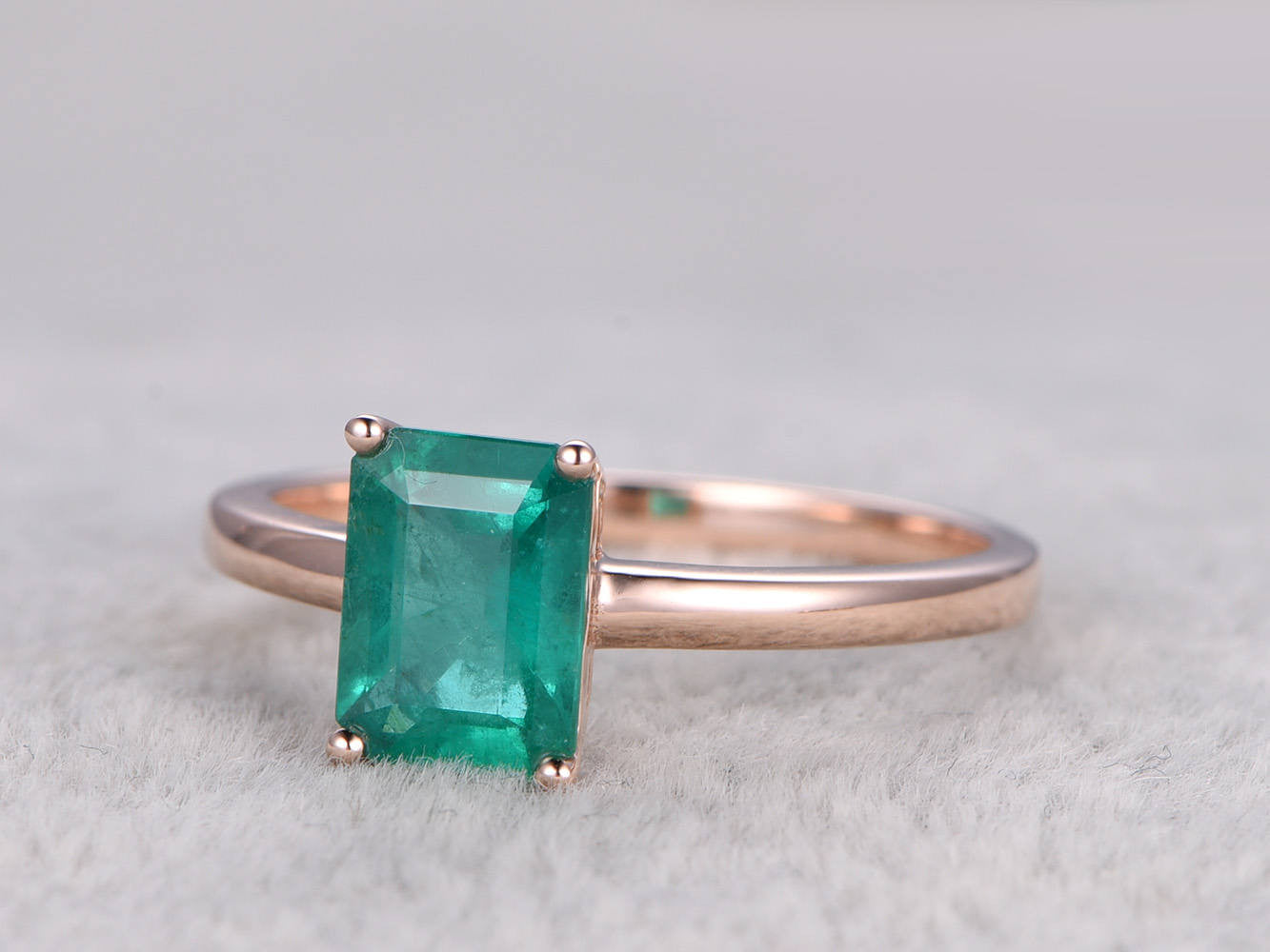 Natural Emerald Engagement ring Rose gold,Solitaire Ring,14k,6x8mm Emerelad Cut,Green Gemstone Promise Ring,Plain gold band,Anniversary Ring