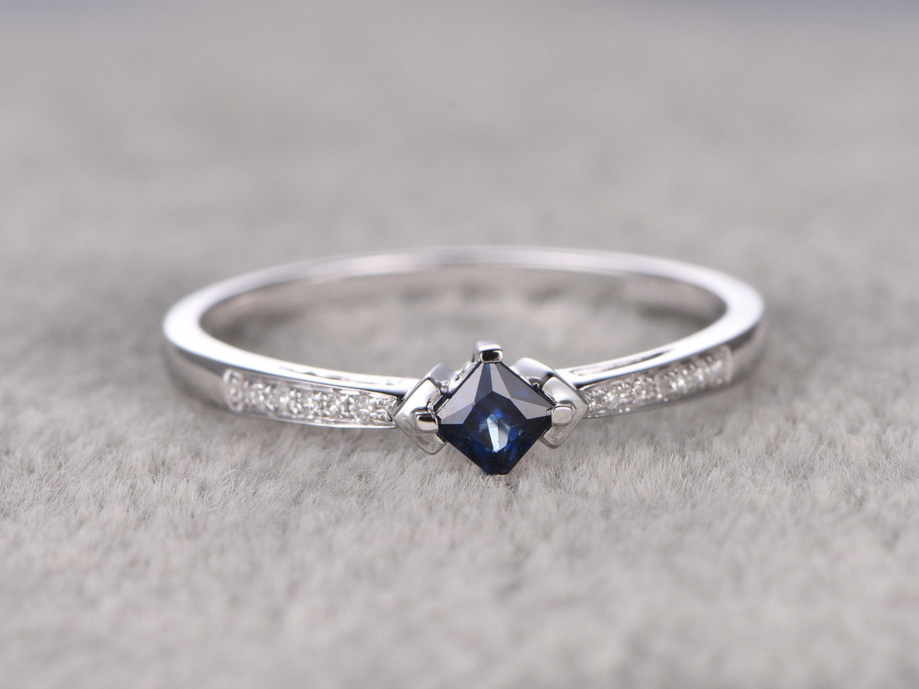 0.35ctw Natural Sapphire Engagement ring,Diamond wedding band,14K White Gold