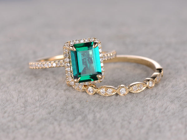 2pcs Emerald Engagement ring Set Yellow gold,Diamond art deco wedding band,6x8mm Stone,Bridal Ring,Claw Prong,Halo,Lab-Treated Green Emerald