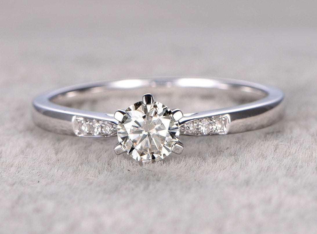 5mm Brilliant Round Moissanite Engagement ring 6-prongs ,0.5ct