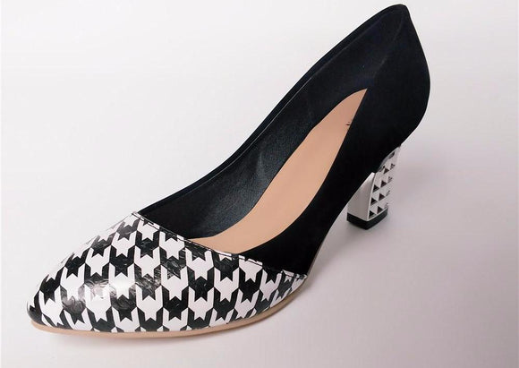 Stylish Checkered Design High Heel Pumps