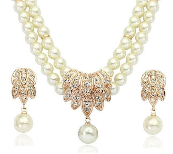 Elegant Crystal Necklace and Earrings Pearl Style Jewelry Set