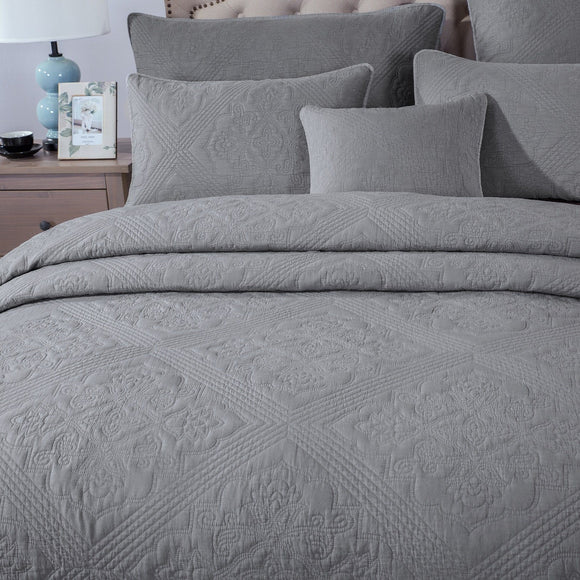 Elegant Floral Grey Diamond Pattern Quilted Coverlet Bedspread Set