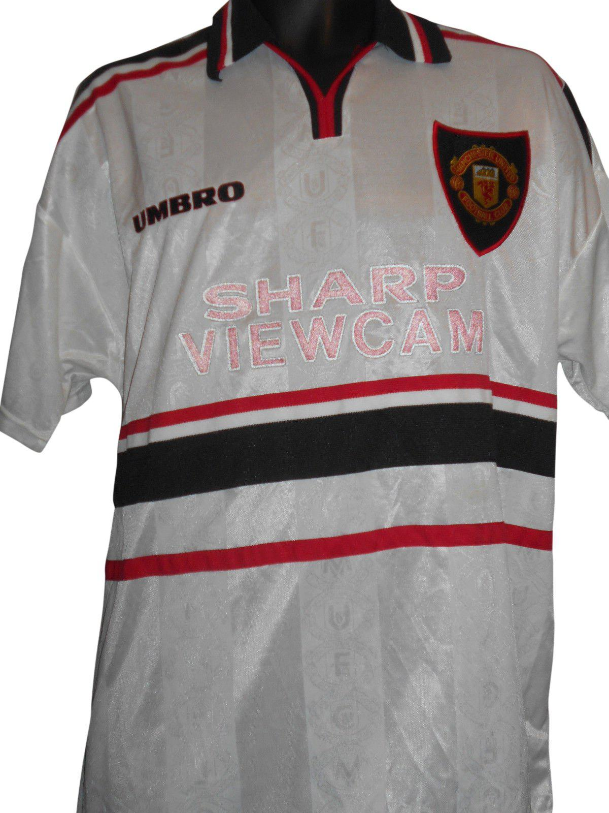 0f94dc612d4 Buy used Vintage Manchester United football shirts online - Loads in.. -  Classic Clothing Crib