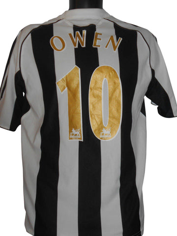 Newcastle United 2006-07 home football shirt Small mens OWEN 10 #S320.-Classic Clothing Crib