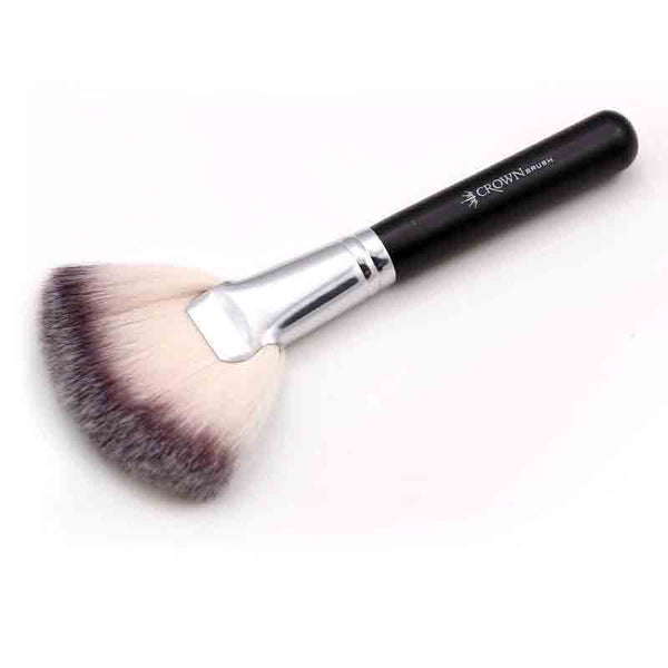 Syntho DLX Fan Highlighter Makeup Brush SS023
