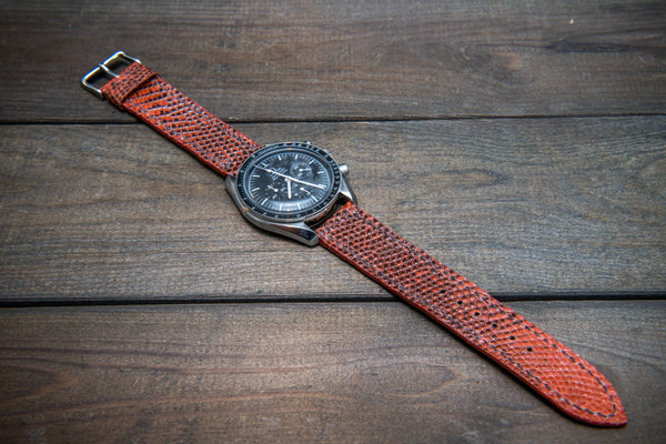 Wild but yet understated style of lizard leather for unique watch straps