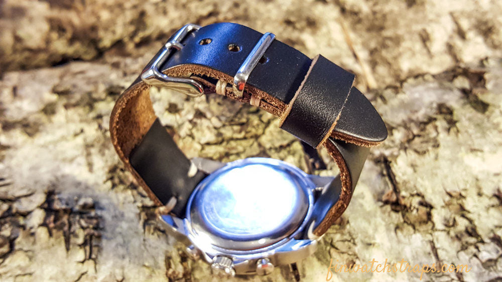 1 metal and 1 leather loop model, 16mm - 24 mm