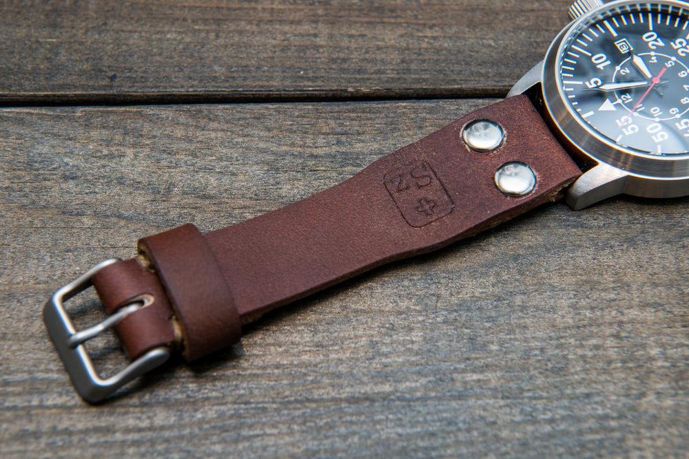 "Vintage Swiss ""ammo"" watch band, thickness 2,5- 4 mm, made of army pouches, dates back to 1930th-1980th - finwatchstraps"