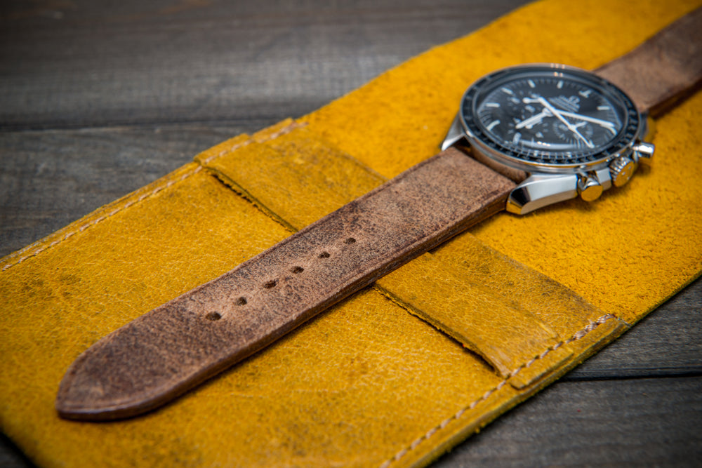 Suede leather watch roll / watch case for wrist watch organizing, Crazy Cow, Pistil - 1 pocket - finwatchstraps