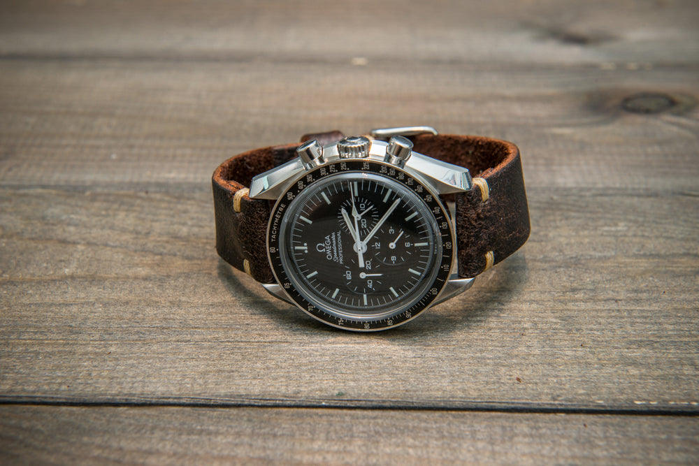 Suede vintage tapered leather watch strap (Crazy cow Snuff), handmade in Finland. - finwatchstraps