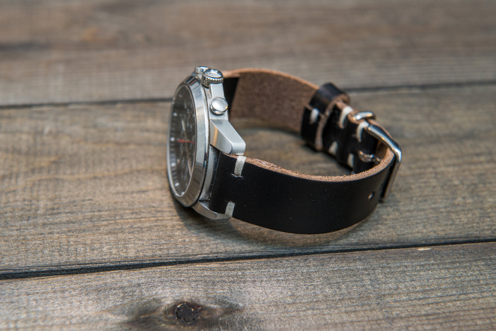 Black leather watch band, handmade in Finland. Tapered size: 26/22mm, 25/22 mm, 24/20mm, 23/20 mm, 22/18 mm, 21/18 mm, 20/16 mm, 19/16 mm - finwatchstraps
