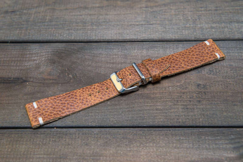 Buckaroo Tan leather watch band, handmade in Finland. Tapered size: 26/22mm, 25/22 mm, 24/20mm, 23/20 mm, 22/18 mm, 21/18 mm, 20/16 mm, 19/16 mm
