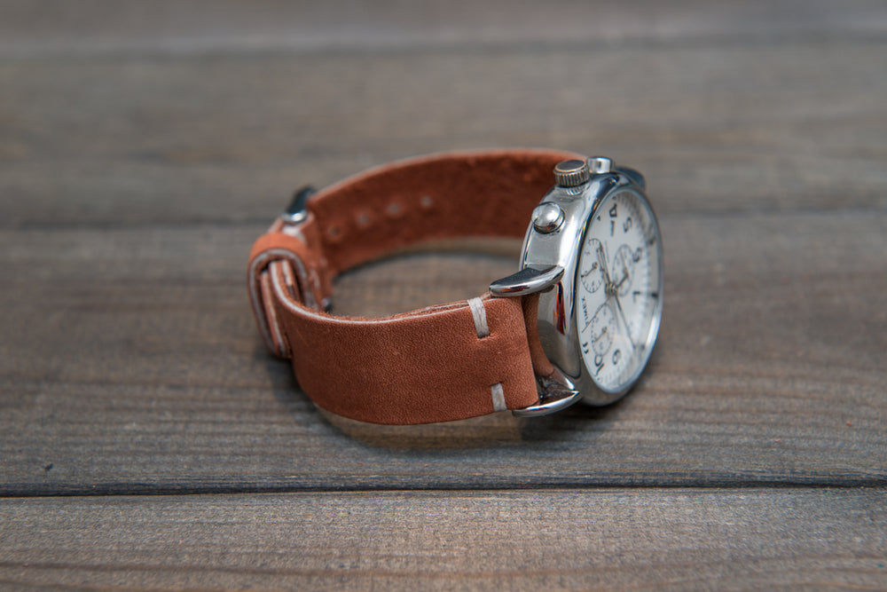 Chestnut Outland Horween leather watch band, handmade in Finland. Tapered size: 26/22mm, 25/22 mm, 24/20mm, 23/20 mm, 22/18 mm, 21/18 mm, 20/16 mm, 19/16 mm - finwatchstraps