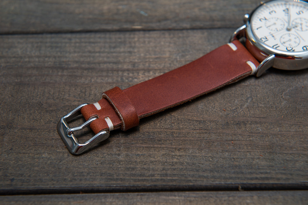 Rust Inferno Horween leather watch band, handmade in Finland. Tapered size: 26/22mm, 25/22 mm, 24/20mm, 23/20 mm, 22/18 mm, 21/18 mm, 20/16 mm, 19/16 mm