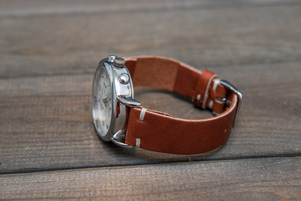 Rust Inferno Horween leather watch band, handmade in Finland. Tapered size: 26/22mm, 25/22 mm, 24/20mm, 23/20 mm, 22/18 mm, 21/18 mm, 20/16 mm, 19/16 mm - finwatchstraps