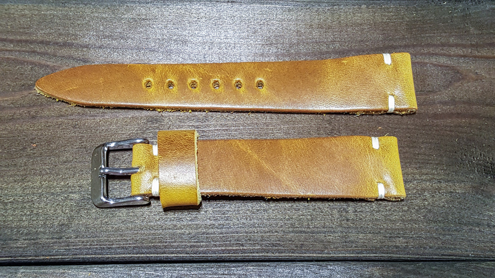 Cavalier Sun Gold, handmade in Finland. Tapered size: 26/22mm, 25/22 mm, 24/20mm, 23/20 mm, 22/18 mm, 21/18 mm, 20/16 mm, 19/16 mm - finwatchstraps