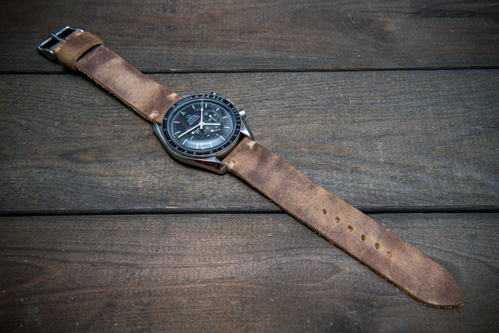 Badalassi vintage beige  leather watch strap. Hand-made to order in Finland. - finwatchstraps