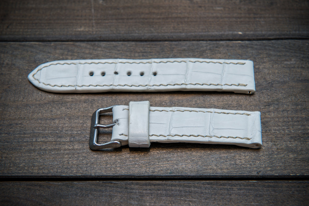 Alligator natural white, handmade in Finland - finwatchstraps