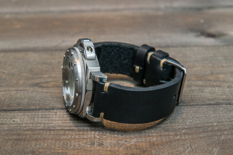 Italian bull leather watch strap 4 mm thick, Black Oily , handmade in Finland -  16mm, 17 mm, 18mm, 19 mm, 20mm, 21mm, 22mm, 23 mm, 24mm, 25 mm, 26 mm.
