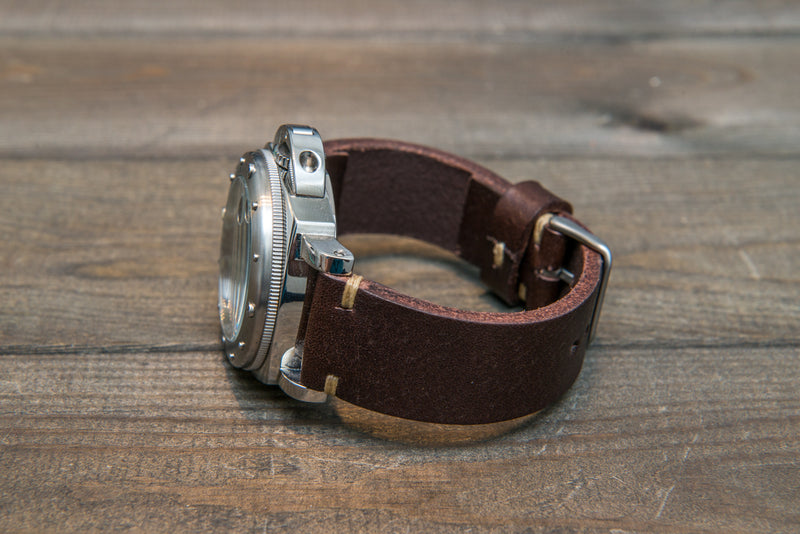 Italian bull tapered leather watch strap 4 mm thick, Brown Castagna Oily, handmade in Finland -  16mm, 17 mm, 18mm, 19 mm, 20mm, 21mm, 22mm, 23 mm, 24mm, 25 mm, 26 mm.
