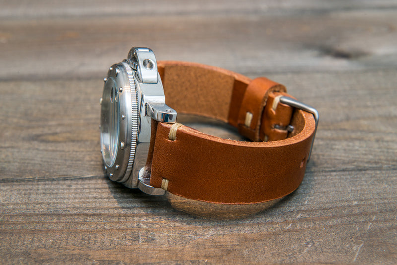 Italian bull  tapered leather watch strap 4 mm thick, Cognac Toro Bull, handmade in Finland -  16mm, 17 mm, 18mm, 19 mm, 20mm, 21mm, 22mm, 23 mm, 24mm, 25 mm, 26 mm.