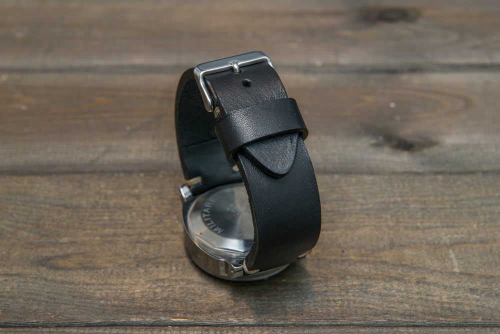Italian bull leather watch strap 4 mm thick, Black Oily , handmade in Finland -  16mm, 17 mm, 18mm, 19 mm, 20mm, 21mm, 22mm, 23 mm, 24mm, 25 mm, 26 mm. - finwatchstraps