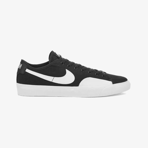 Nike SB Blazer Court Black and White