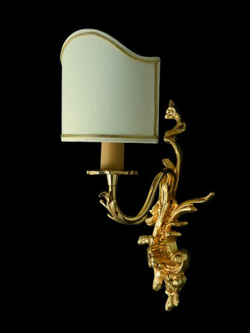 Gold-plated wall sconce with Venetian-style backless shade