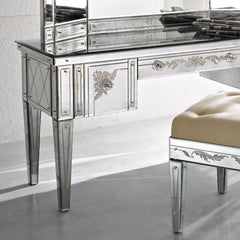 Engraved Venetian dressing table with triple mirror