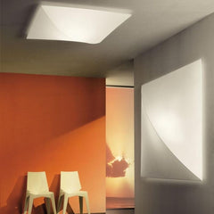 Straight Nelly PL60 wall & ceiling light from Axo Light