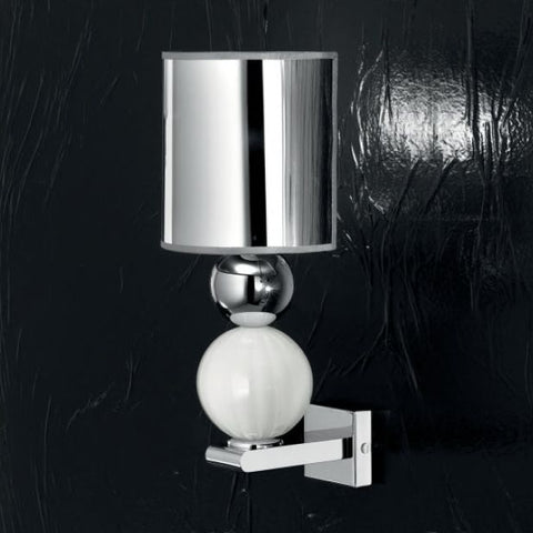 Modern Italian wall light with white Murano glass spheres