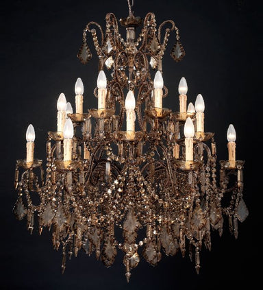 18 light wooden chandelier with Bohemian crystals