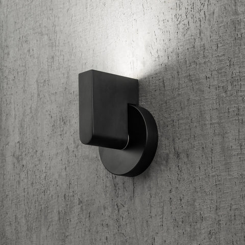 Vane modern wall light