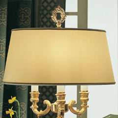 Traditional Italian table lamp with white porcelain roses