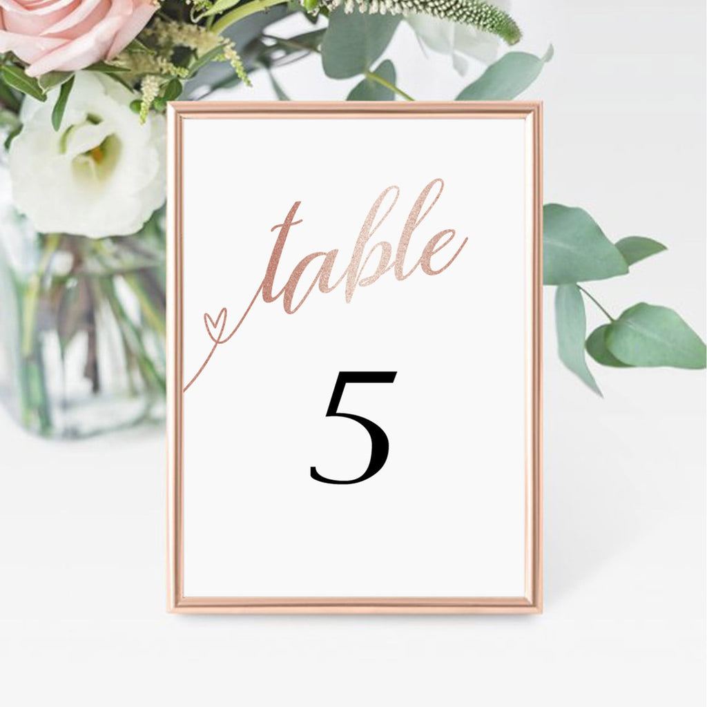 Chic table decor by LittleSizzle