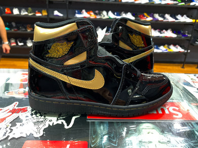 "Air Jordan 1 ""Black Metallic Gold"""