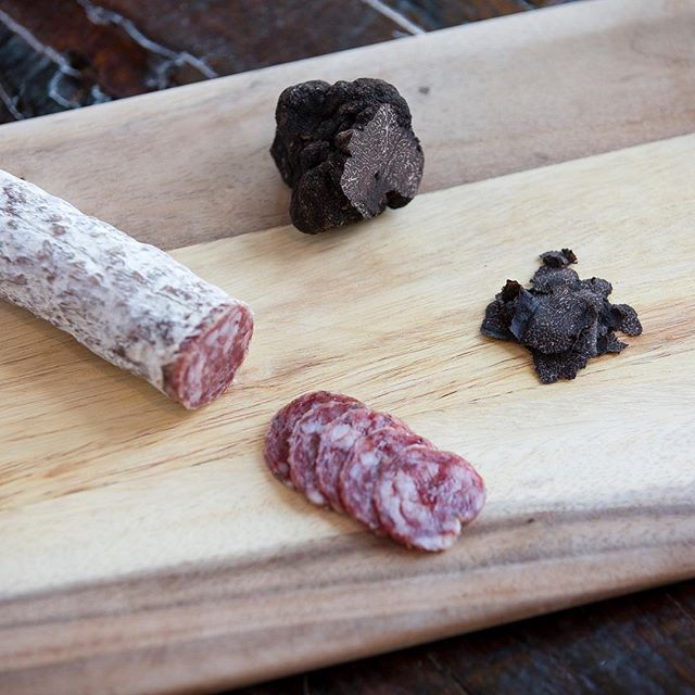 Il Porcellino Salumi Black Truffle | Revittle