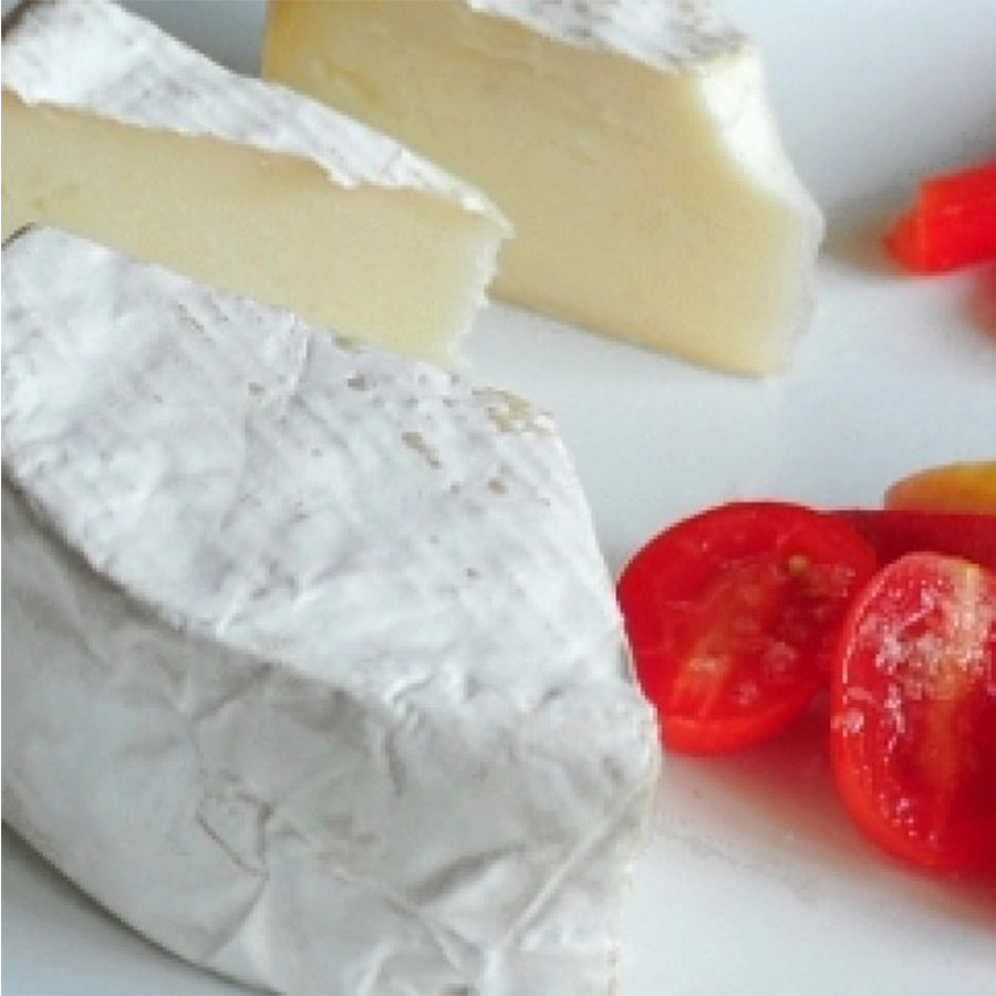 Haystack Mountain Goat Camembert Cuts with Tomatoes | Revittle