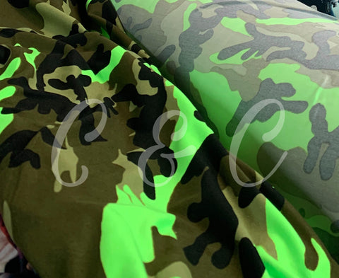 Double brushed polyester army vert fluo