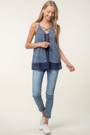 CRISS CROSS DETAIL WITH BLOCK MIX TANK