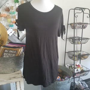 Tie Sleeve Black Top