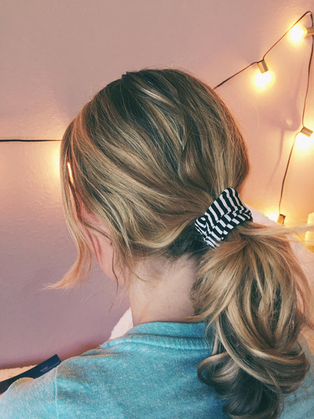 Gingham Wire Ponytail Twist